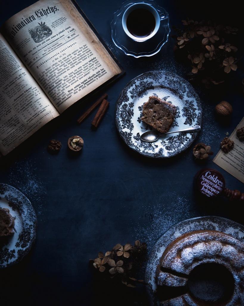 Afternoon coffee with spicy walnut bundt cake
