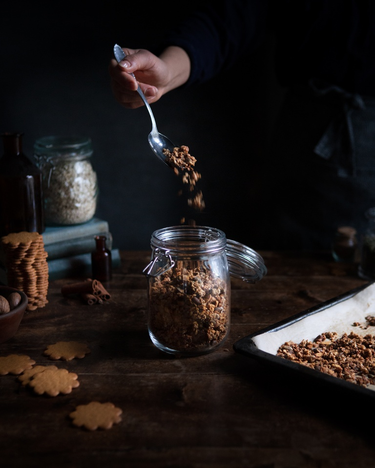 Walnut and gingerbread granola