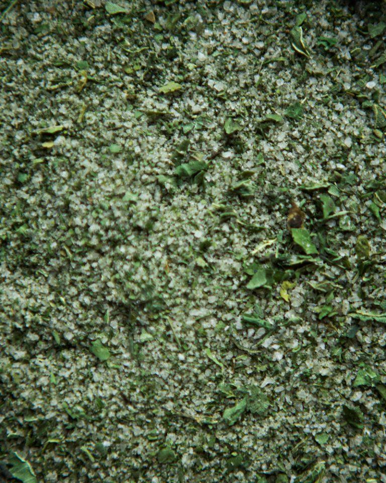 Nettle salt texture